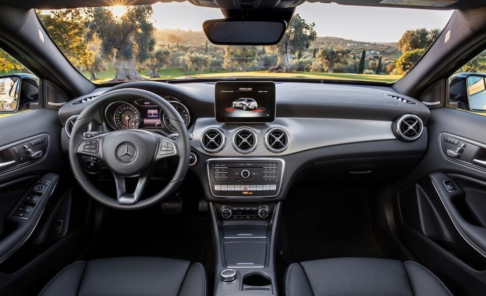 Noleggio lungo termine privati interni Mercedes GLA